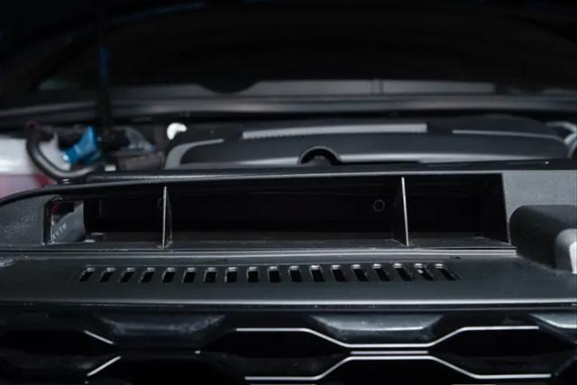 VW GOLF7 / 7.5 ECSデュエル エアインレット ダクト