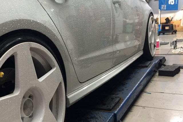 Audi A3(8V)セダン専用 S3セダンスタイル サイドスカート