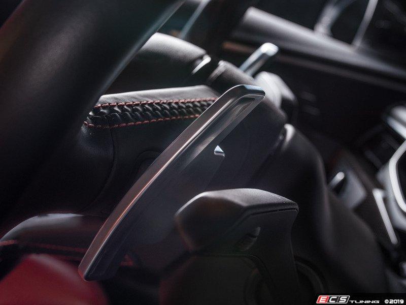 ECS アウディ A4 /A5 (B9) サテンブラック パドルシフター