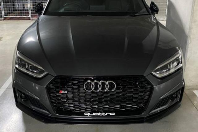 Audi A5(B9/F5) RSスタイル グリル・グロスブラック シングル