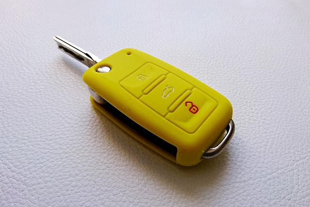 VW シリコンキーカバー・イエロー Type-B