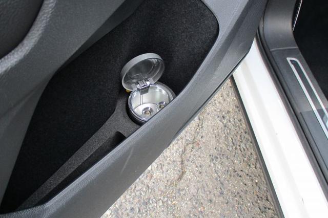 VW ティグアン (AD1) ドリンクホルダー TIGUAN