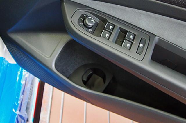 COX VW GOLF8 ドリンクホルダー(左右セット)