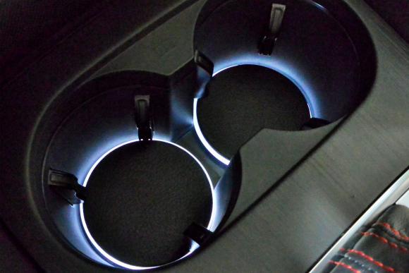 Audi A3(8V) ドリンクホルダー LEDイルミネーション (AXIS)