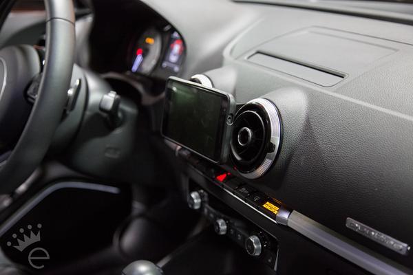 Audi A3/S3(8V) スマートフォン マウント・クレードル