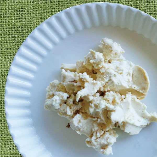 季節の小さなチーズ4種 (味噌・酒粕・オリーブ・オレンジ)