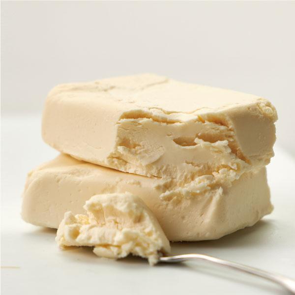 季節の小さなチーズ4種 (味噌・酒粕・オリーブ・ラムレーズン)