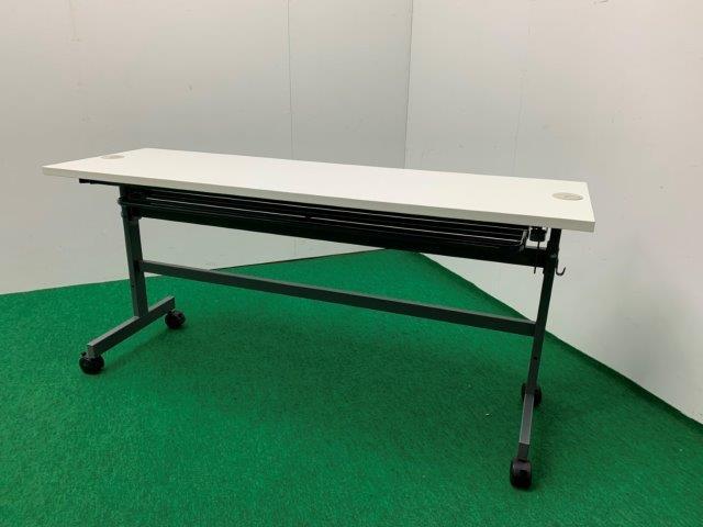 アールエフヤマカワ製 折り畳みキャスター付テーブル(フォールディングテーブル/SHFTL-1545DB) ホワイト W1500 配線機能付