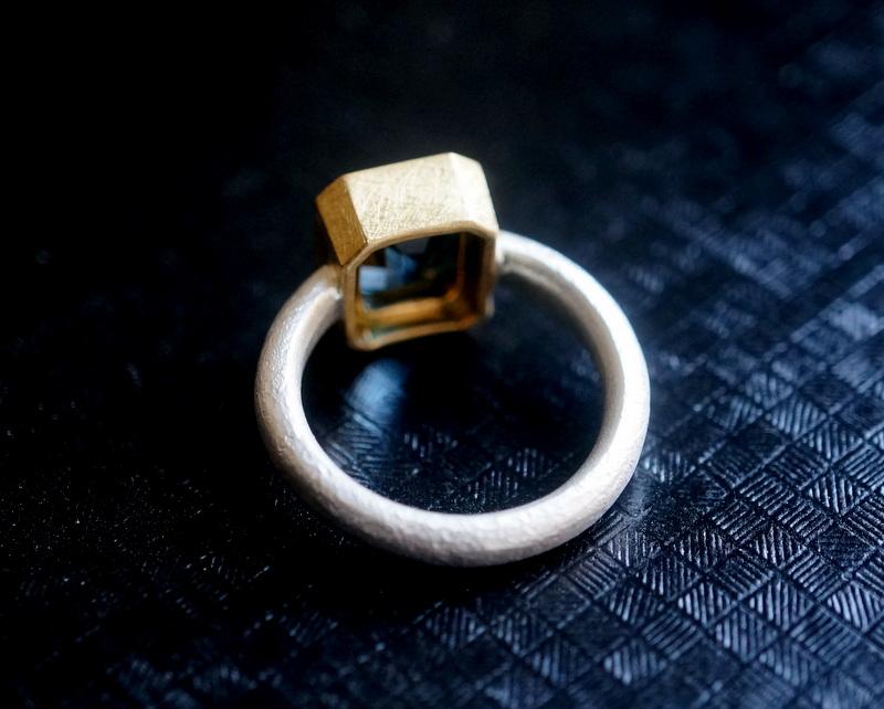 Kuraishi Takamichi /  灯りの指環   「落刻 (ロンドンブルートパーズ)」