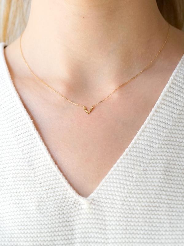 HAVITAS Granulation necklace V-shaped K18YG