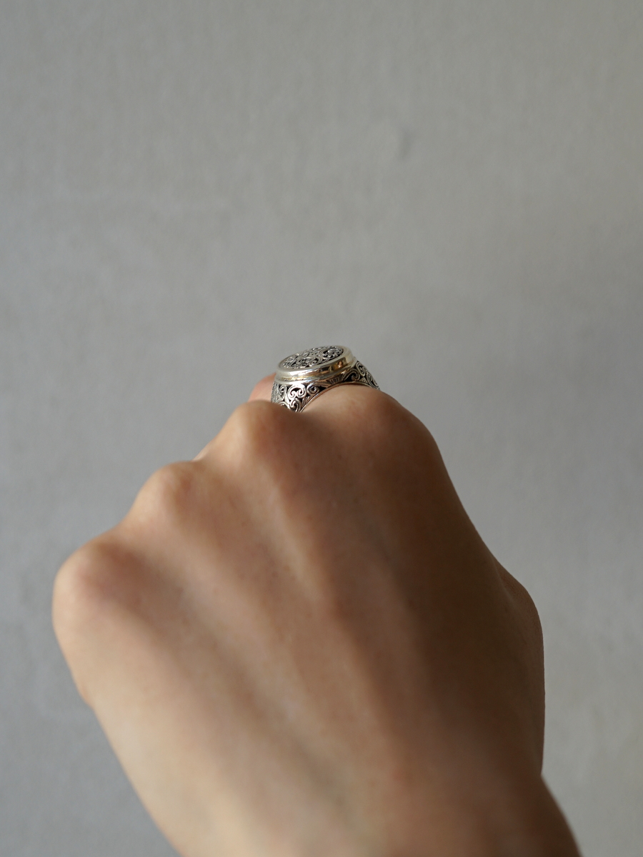 Gerochristo / Mediterranean Oval Shape Ring