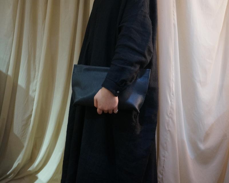 kagari yusuke / 壁 ポーチ BK