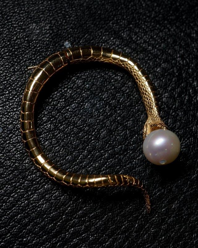 ELCAMI 蛇パールピアス  ゴールド (EPS-117G)