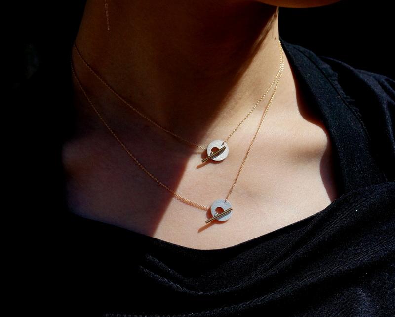 uM / MANTEL necklace