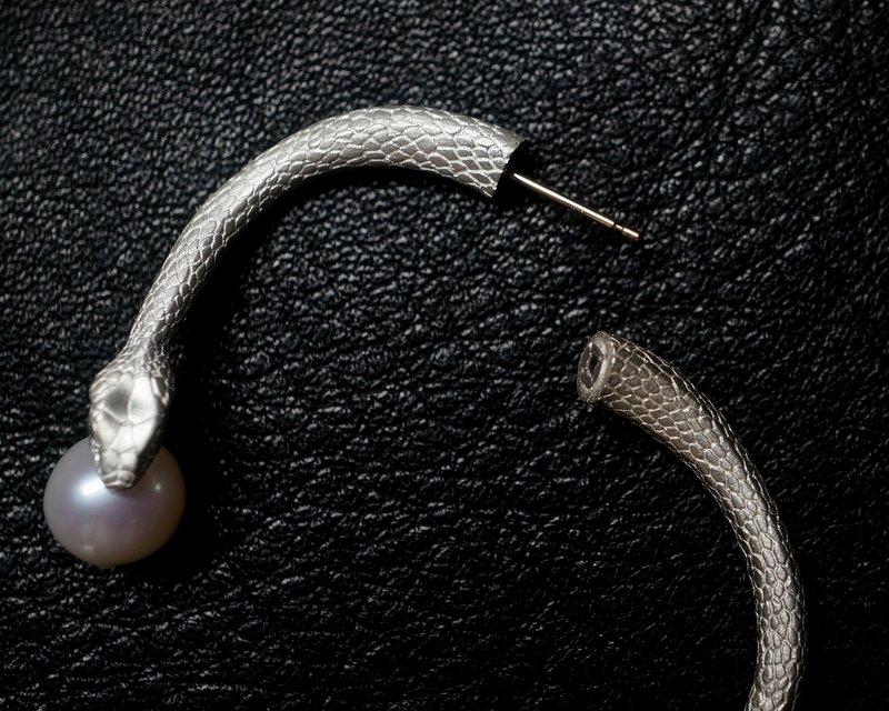 ELCAMI 蛇パールピアス  シルバー (EPS-117S)