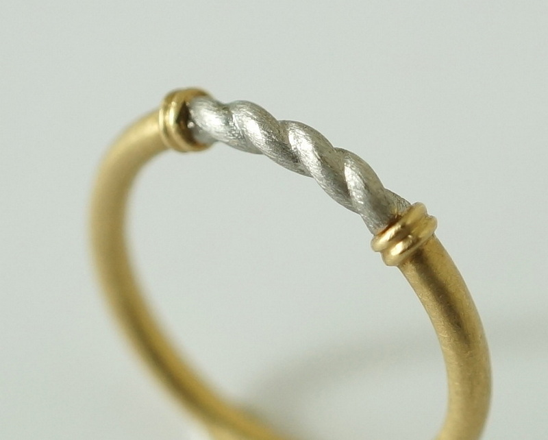YES / HELICAL RING (COMBI / K18YG×PT900)