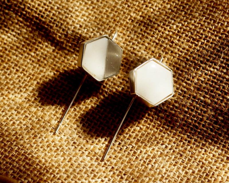 sussus. / Hexagon horn long pierce (MA1702)