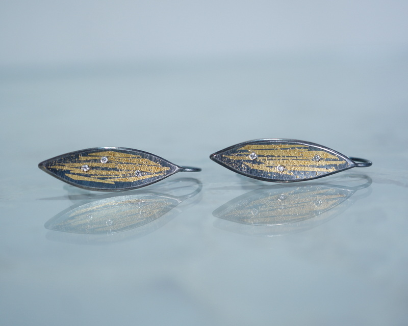Hiroko Miyamoto /黒葉フックピアス 6ダイヤモンド