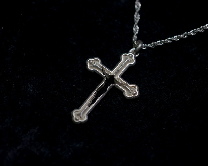 GIFTED / missing ネックレス - CROSS × YES - (white)