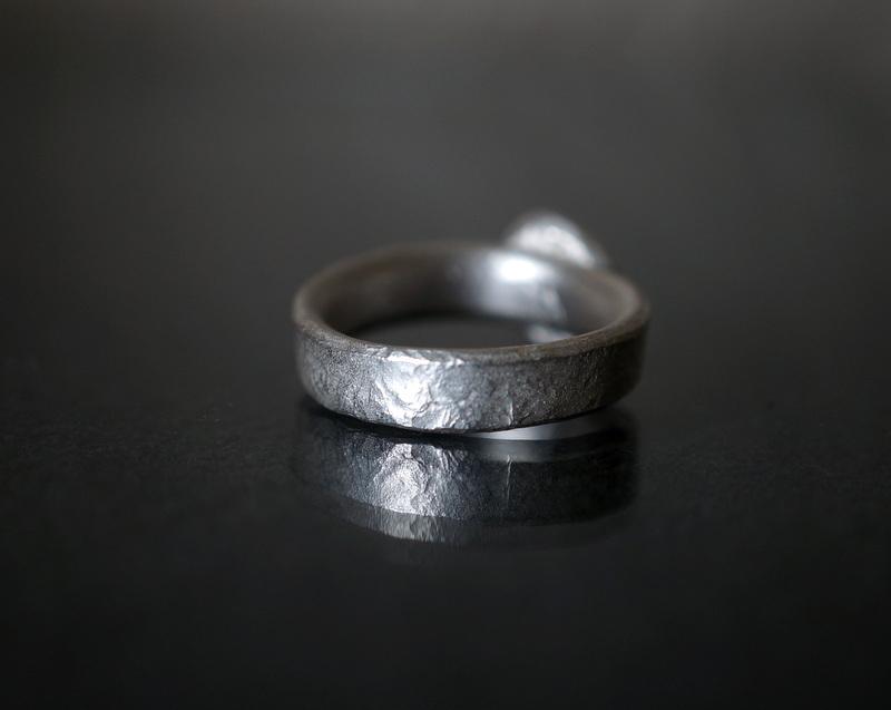 Kuraishi Takamichi /  灯りの指環   「碧の王冠 (グランディディエライト)」