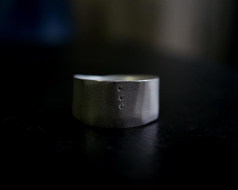 Kuraishi Takamichi / 巡る指環  「三目(水面)」