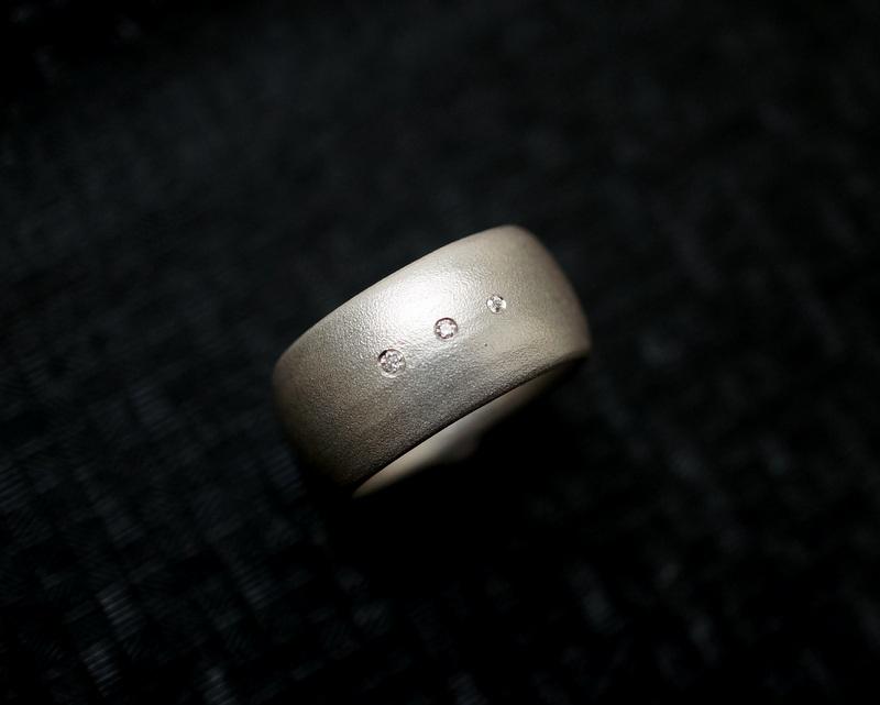 Kuraishi Takamichi / 巡る指環  「三目(まるみ)」