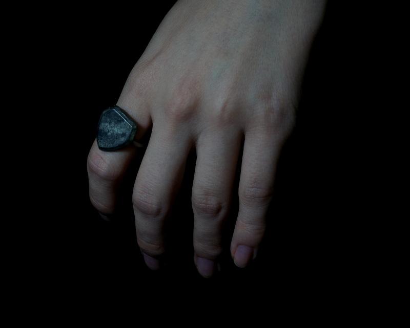 GIFTED/「皮膚と骨」(shield/B)