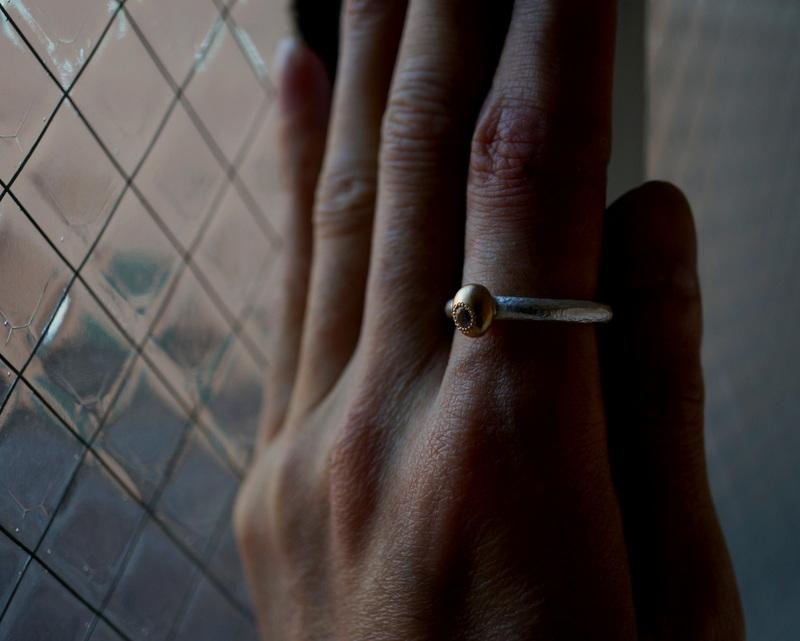 Kuraishi Takamichi /  灯りの指環   「虹の燈 (レインボークォーツ)」