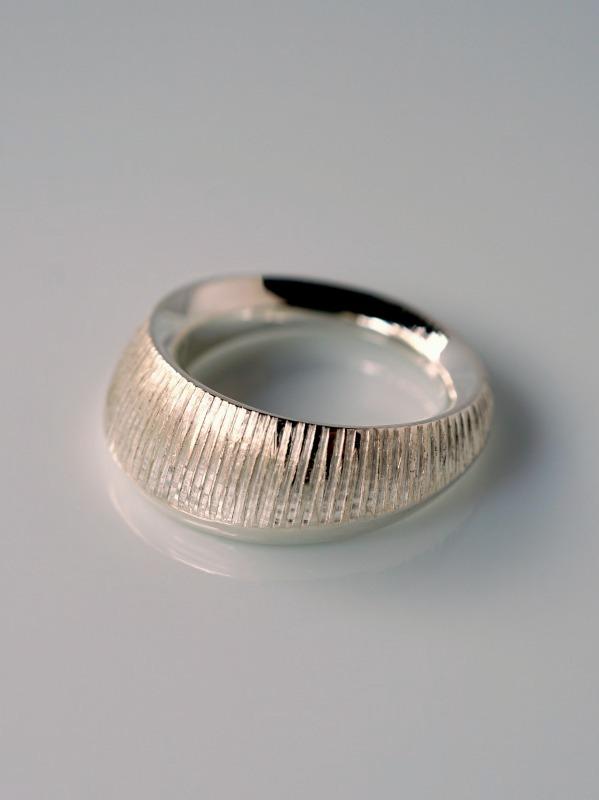 sumiiro(スミイロ)halo ring 縞