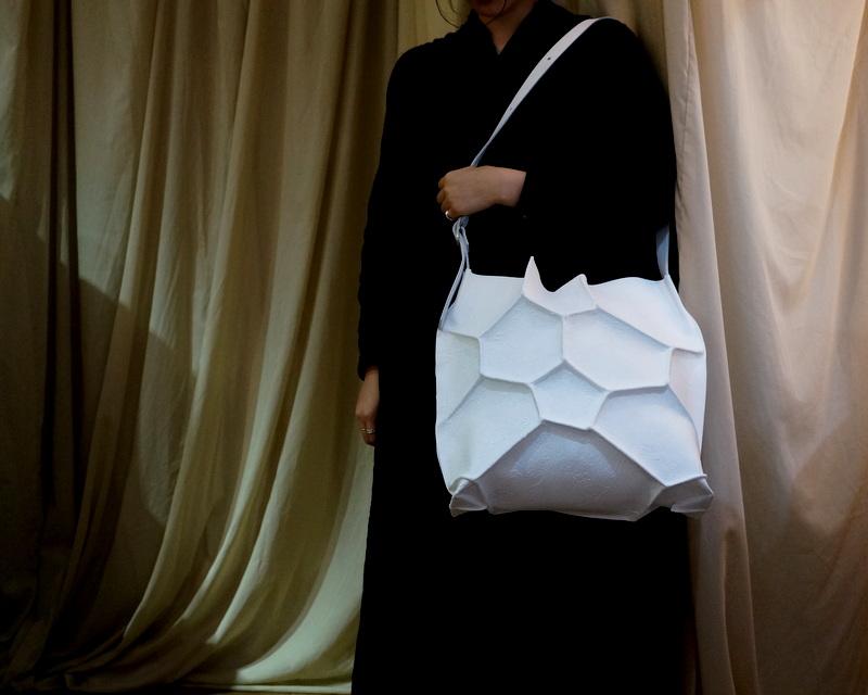 kagari yusuke / ボロノイショルダーバック ホワイト