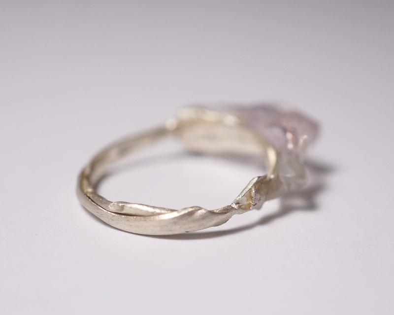yuka ishikawa / 「beautiful memories ring」 水晶×フローライト×アメジスト