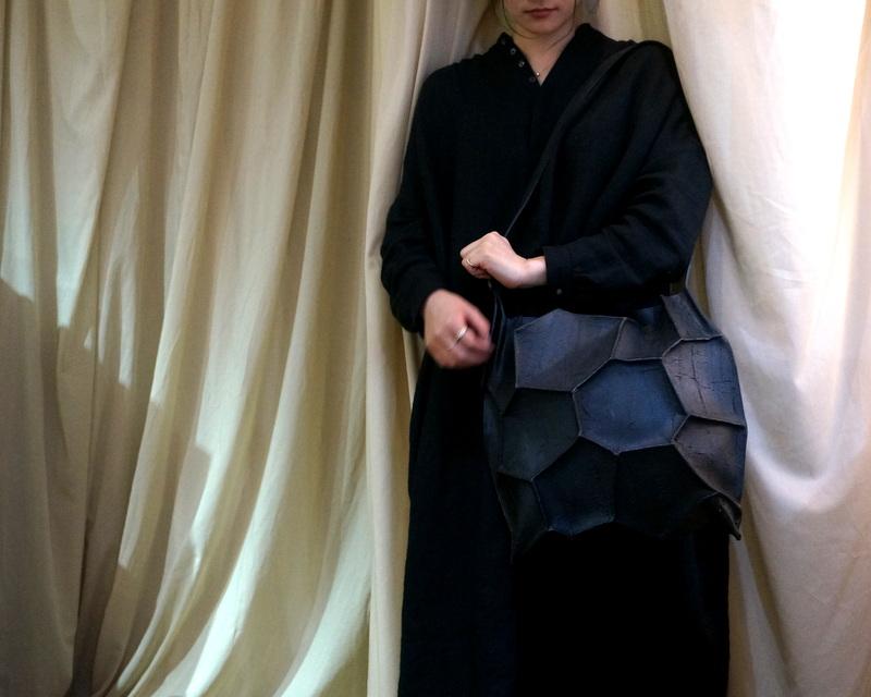 kagari yusuke / ボロノイショルダーバック ブラック