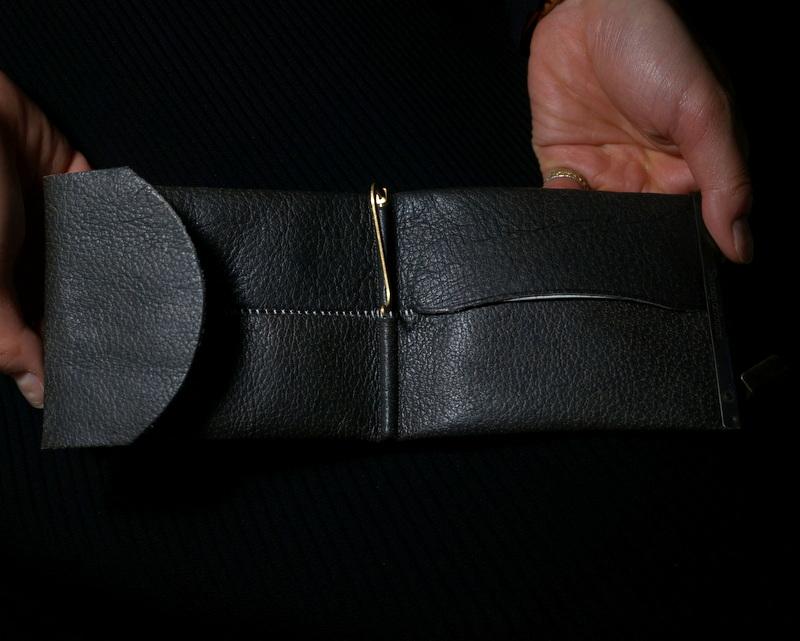 Six coup de foudre / マネークリップ(熊革/両面ブラック)