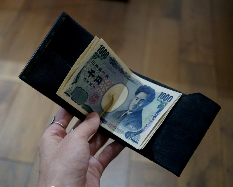 Six coup de foudre / マネークリップA(鹿革/鉄媒染)