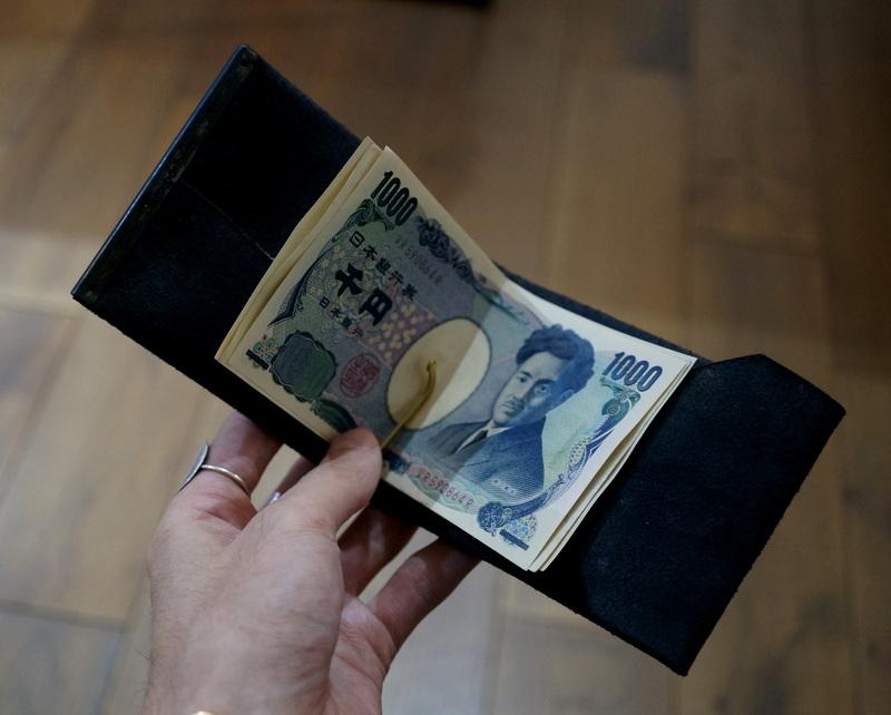 Six coup de foudre / マネークリップB(鹿革/鉄媒染)