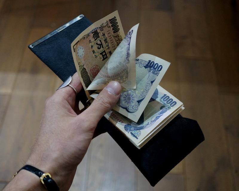 Six coup de foudre / マネークリップD(鹿革/鉄媒染)