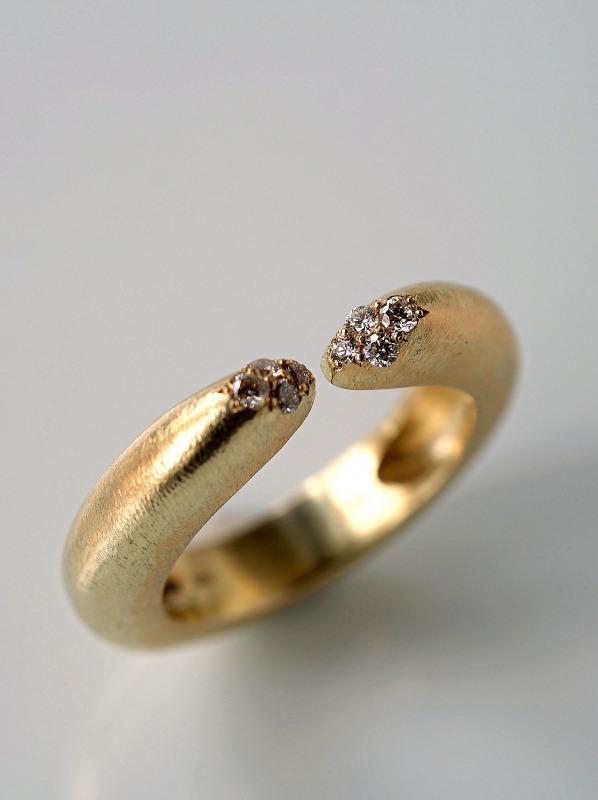 ODA/Diamond ring