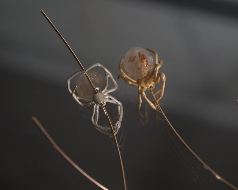 ELCAMI/ 蜘蛛マーキスラインピアス ルチルクォーツ(EPS-136S/G)