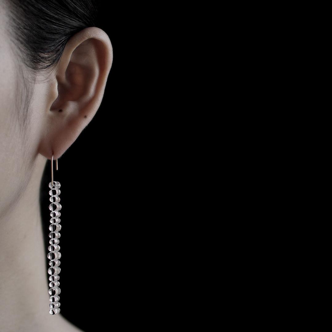 bubun (ブブン) solo - STRING [short] - earrings