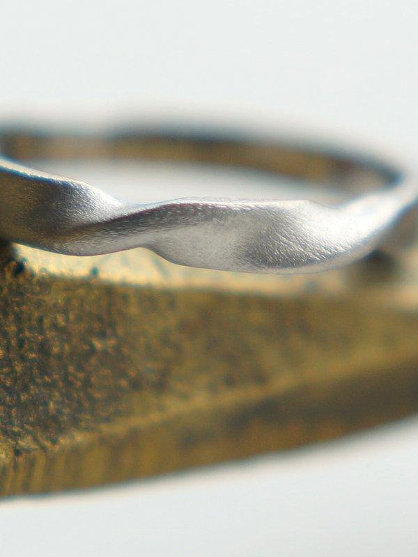 HAVITAS undulation  ring SV