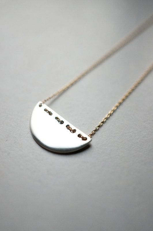 uM / stitch necklace (circle)