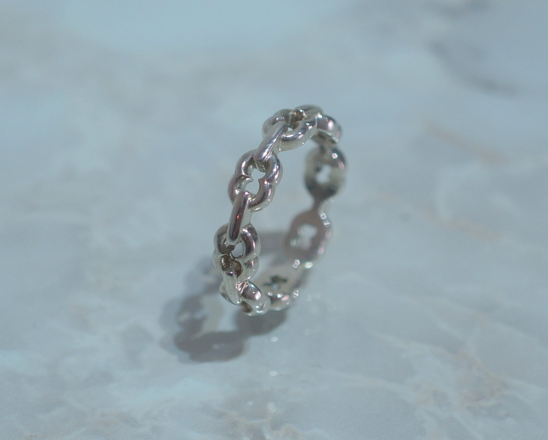GIFTED / 8LINKED IMPLOSION CHAIN RING SV