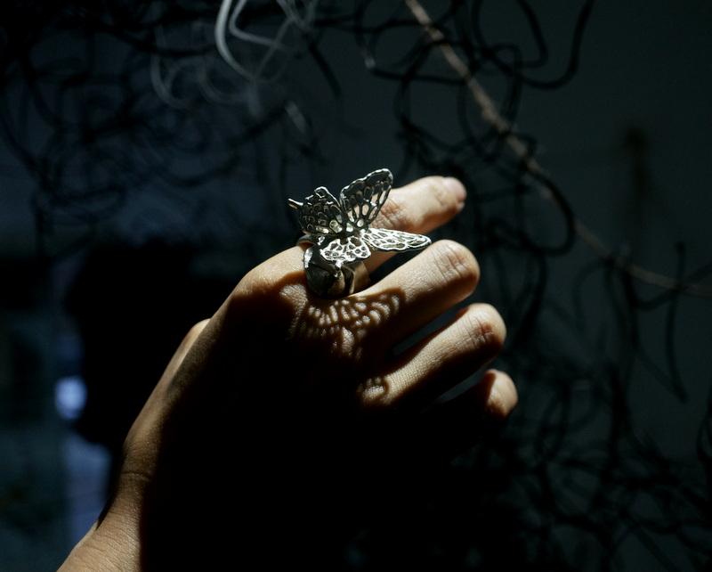 yuka ishikawa / butterfly ring