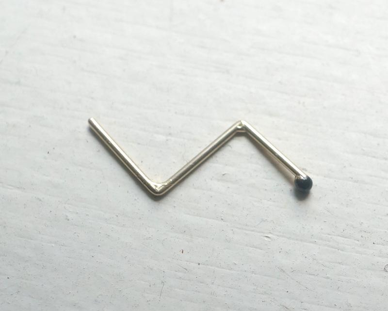 sussus. / line pierce C K18(MA1710)