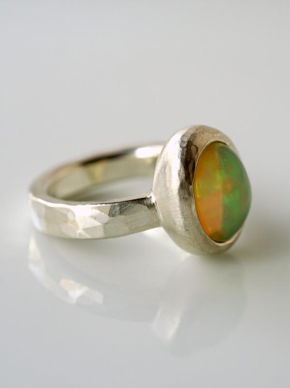 ODA/opal ring OV