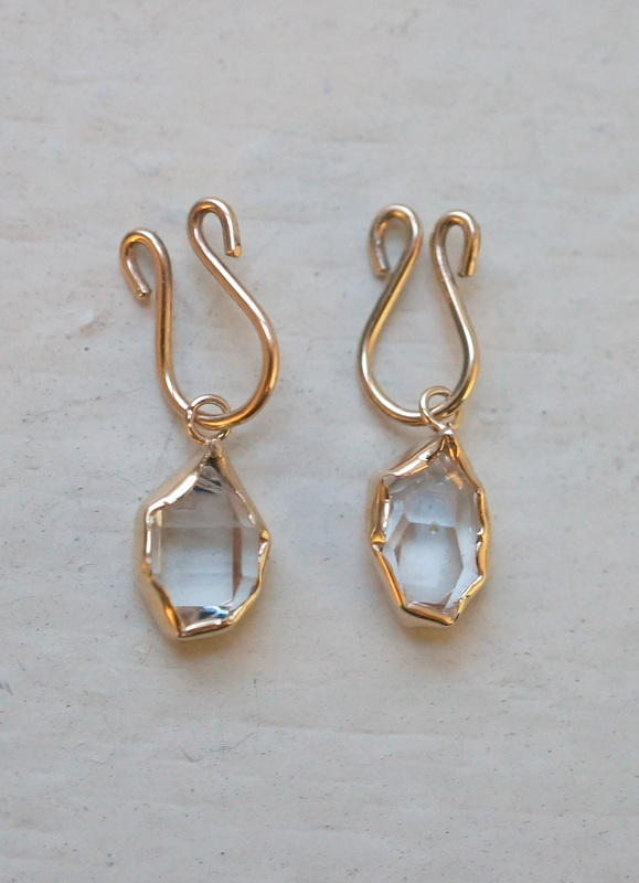 in her  K10 Wrapping Herkimer diamond  pierced earrings(イヤリング)
