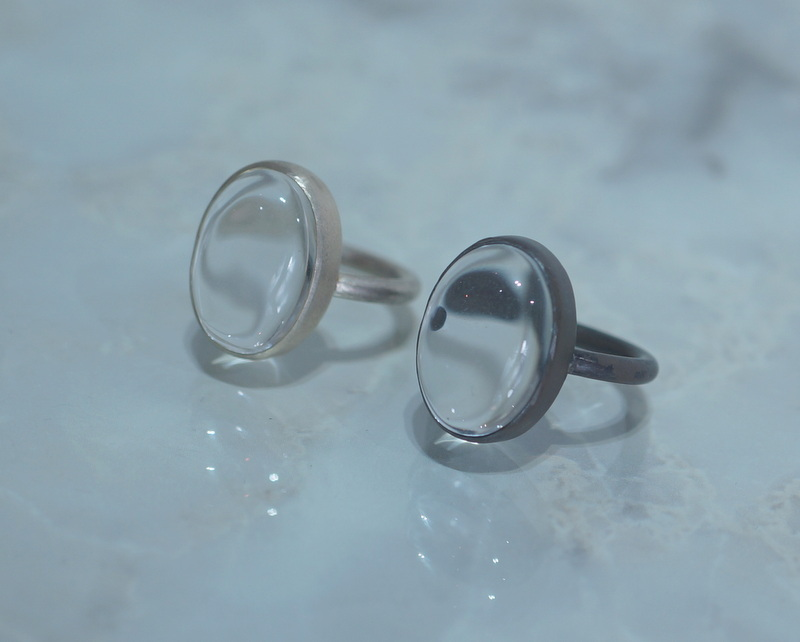 in her/ Oval stone ring