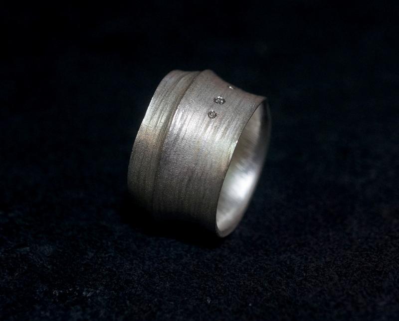 Kuraishi Takamichi / 巡る指環  「三目(薫陶)」