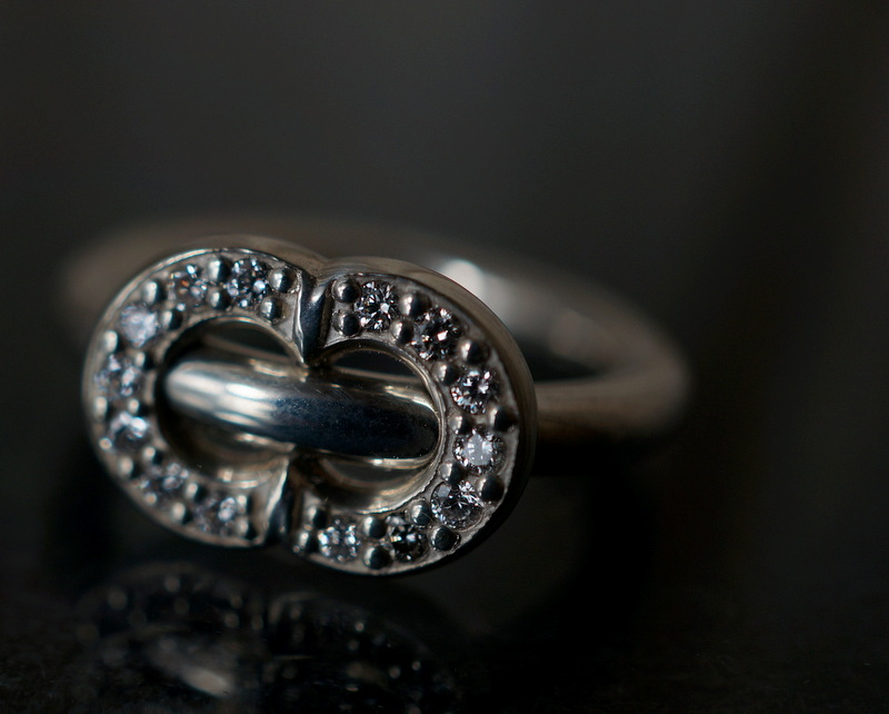 GIFTED / ENGAGED IMPLOSION RING SVD_M diamond