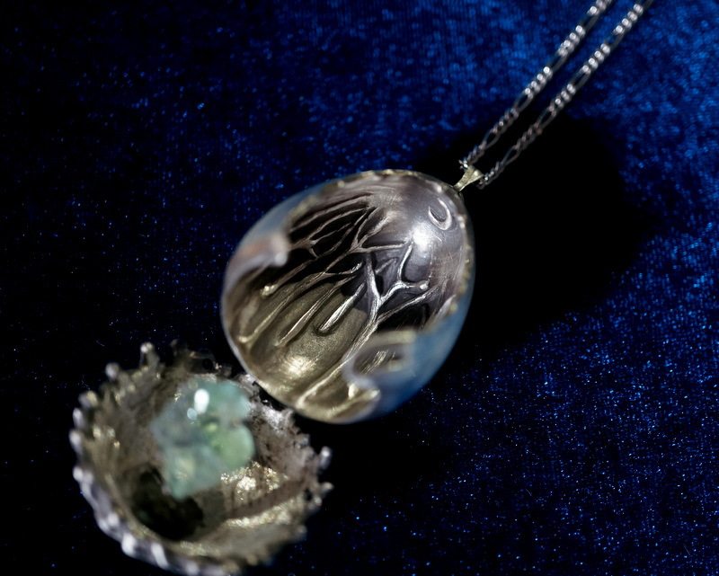 cocoon / jewelry egg フローライト